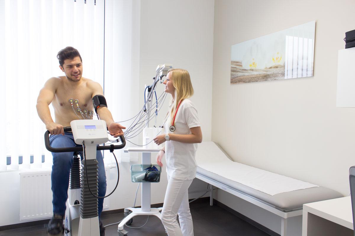 Belastungs-EKG bei Patienten / Ergometrie